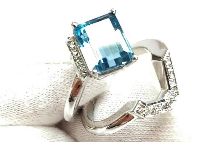 Anell or blanc amb topas blau i diamants desmontable  Anillo oro blanco con topacio azul con diamantes. #diamond #diamante #oro #gold #joyeriaartesanal #jewelry